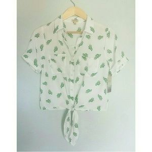 NWT Lily White Cactus Tie Front Blouse Size Small